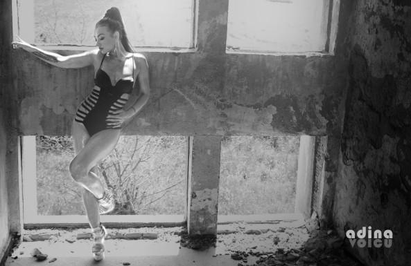 BW Pixabay Abandoned Building girl-1493886_1920
